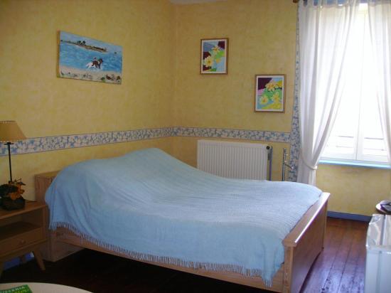 Nouvelles photos chambres jaune 003